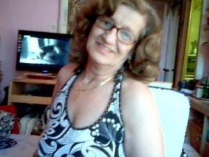 Sexy Oma aus Baden sucht Zärtlichkeit und Freundschaft