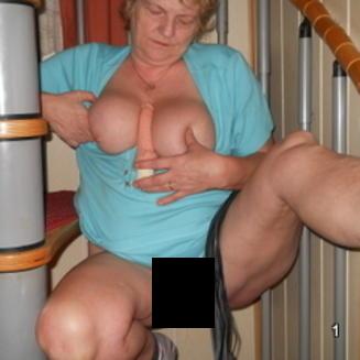 Geile Oma aus Niederösterreich sucht Sextreffen